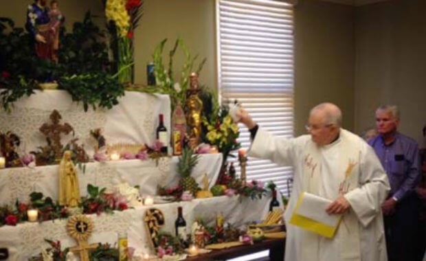 St. Joseph Hospice Baton Rouge Hosts 2014 Altar Celebration